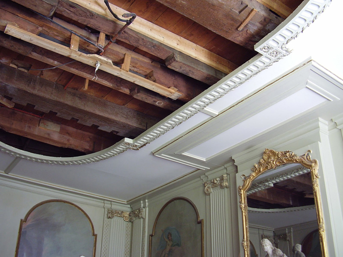 Ceiling of a 1730\'s period room in the former British consulate of Amsterdam 