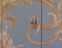 Garden_snails_Painted_ceiling_detail